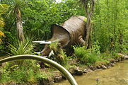 Dinosaur sculptures at Dan yr Ogof (9122).jpg