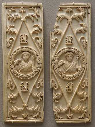 Consular diptych - One of the consular diptychs of Areobindus Dagalaiphus Areobindus, consul in 506, showing him in an imago clipeata (Louvre)