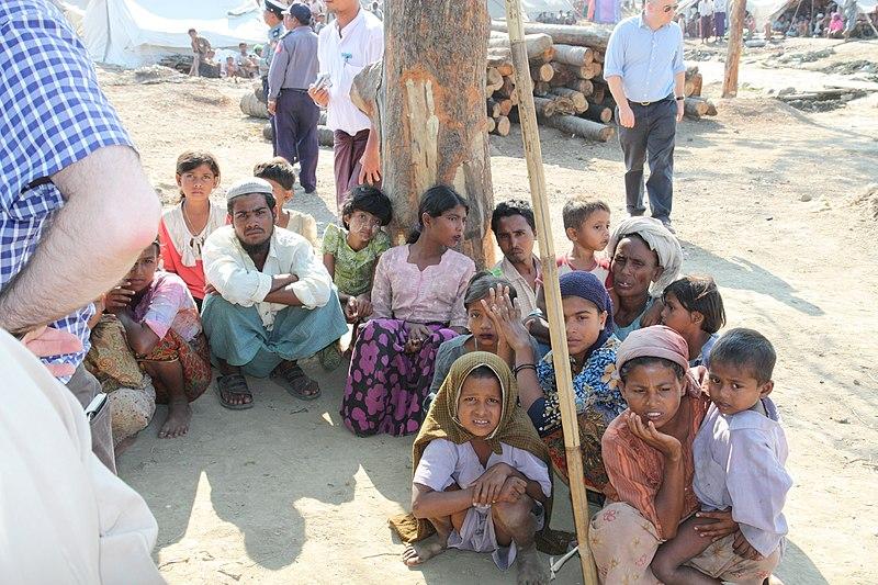 Displaced Rohingya people in Rakhine State (8280610831).jpg