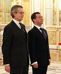 Dmitry Medvedev with Antonio Zanardi Landi.jpeg