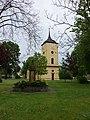 Dorfkirche und Gefallenendenkmal Pausin 2017 NW.jpg