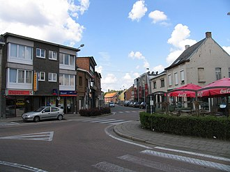 Sint-Katelijne-Waver - Image: Dorpsplaats Sint Katelijne Waver, kijkrichting Stationsstraat Walem