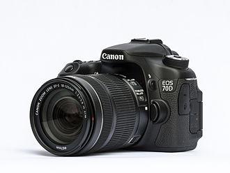 Canon EOS 70D - Image: EOS70D 18 135STM