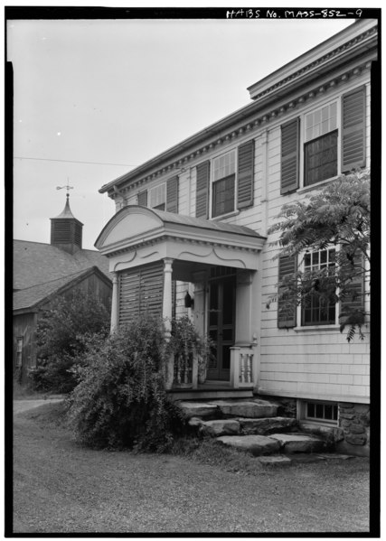 File:EXTERIOR, DETAIL OF ENTRANCE, PORCH, NORTHWEST SIDE OF HOUSE - Captain John Potter House, Exposition Grounds (moved from North Brookfield, MA), West Springfield, Hampden County, HABS MASS,7-SPRIFW,3-9.tif