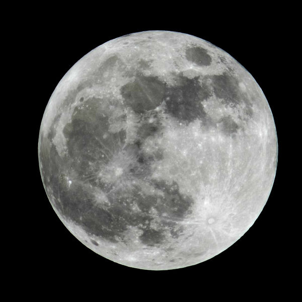 File:Earth moon, 21 images stacked.jpg