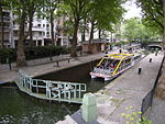 Eclusa do Canal Saint-Martin (3666693396).jpg