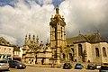 Eglise et abords à Saint-Thégonnec.JPG