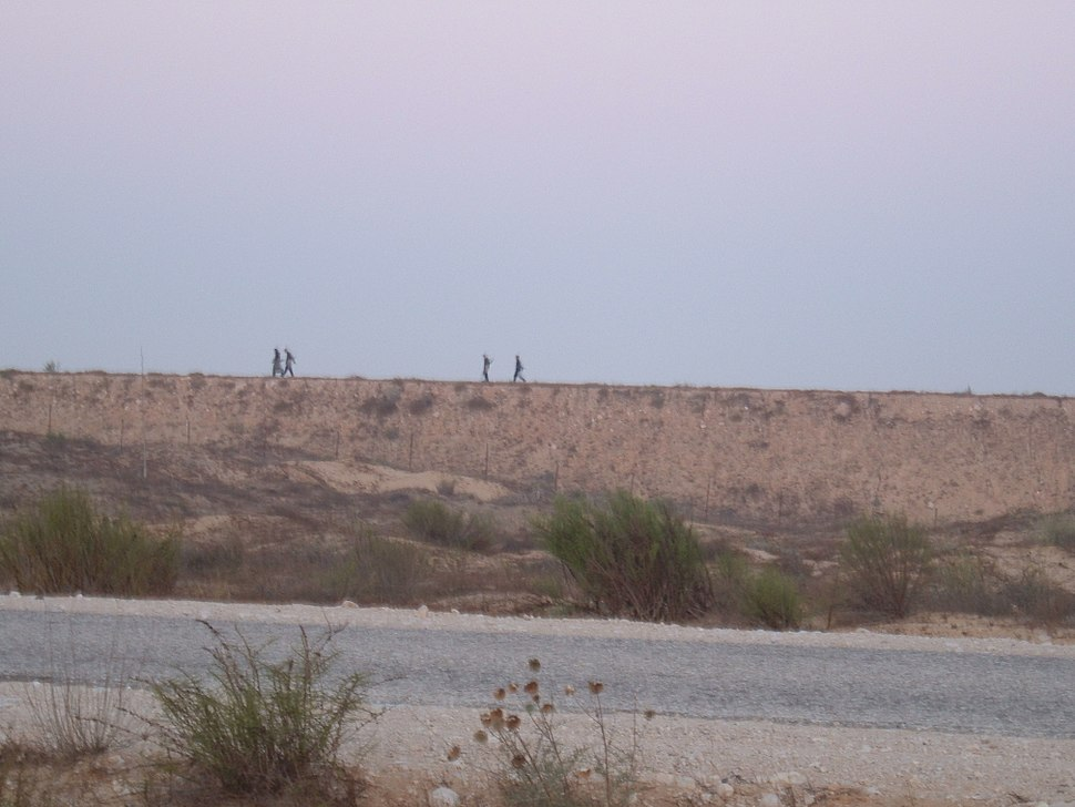 Egyptian soldiers patrolling border between Israel and Egypt (2005)