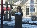 Eine Eulenskulptur in Tarp im Winter, 2015, Bild 01.jpg