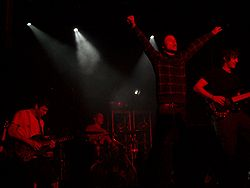 La band in concerto nel 2009; da sinistra a destra: Rory Clewlow, Rob Rolfe, Rou Reynolds, Chris Batten