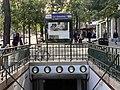 Entrée Station Métro Gobelins Paris 4.jpg