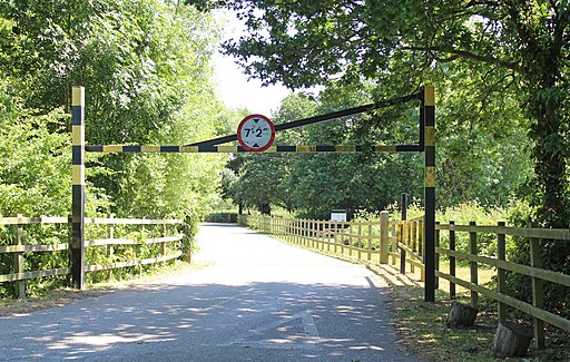 Entrance to Wirral Country Park at Lees Lane