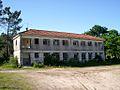 Escola abandonada en Troáns, Cuntis.jpg