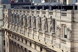Palacio de la Legislatura de la Ciudad de Buenos Aires - Exterior ledge facing Calle Perú