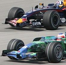 Deux photos représentant les pneus tendres utilisés en 2007 puis en 2008.