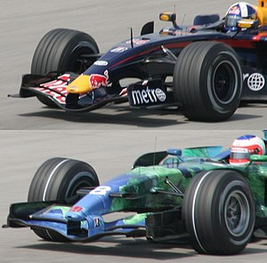 2007 FIA Formula One World Championship - Top: harder tyre (officially named the 'prime' tyre). Bottom: softer tyre (the 'option' tyre), at the Malaysian Grand Prix.