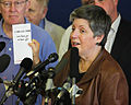 FEMA - 43988 - DHS Secretary Janet Napolitano at Press Conference at the Bellevue Community Center.jpg