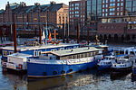Flussschifferkirche Hamburg 01.jpg