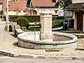 Fontaine, rue des Auges. Bulle.jpg