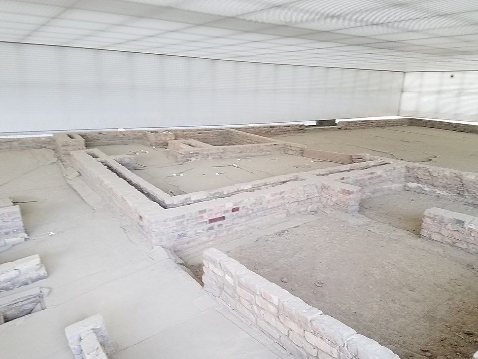 Foundation for execution room