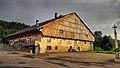 Fournets-Luisans, ferme comtoise au soleil couchant.jpg