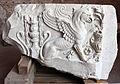 Fregio con grifone in marmo, dal foro di traiano, 98-117 dc ca. 01.JPG