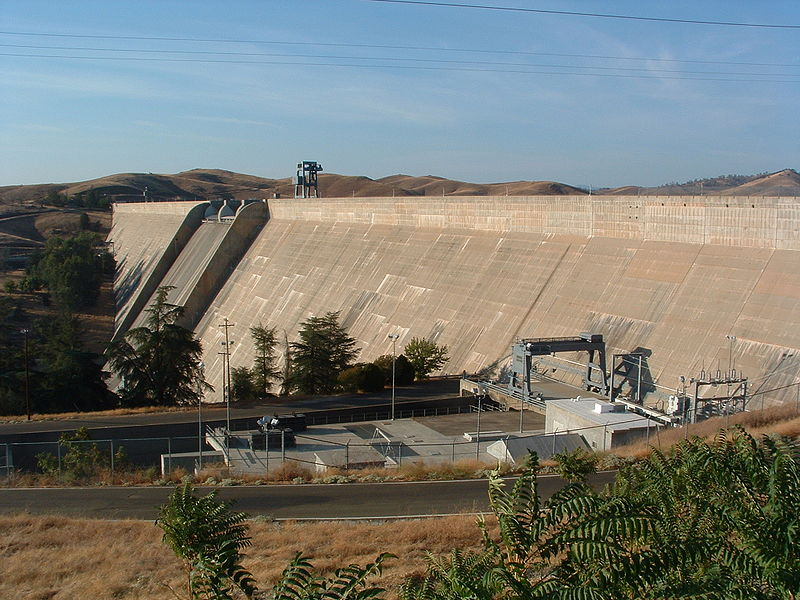 Interactive picture of Friant Dam and powerplant - click to see a larger picture