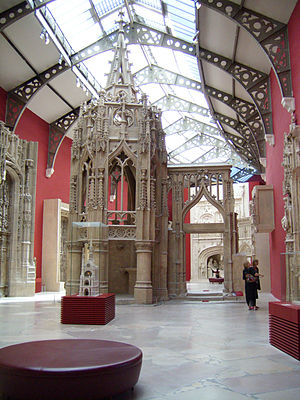 The National Museum of French Monuments Galerie des moulages.jpg