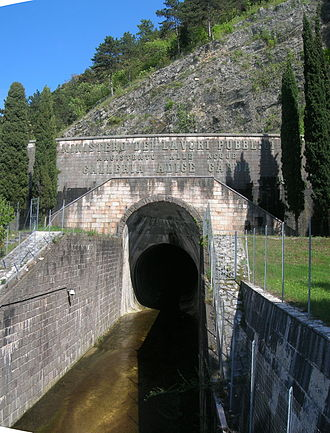 "Mori-Torbole tunnel - The outlet of the tunnel in Nago-Torbole, seen from the route SS249 ""Gardesana Orientale"""