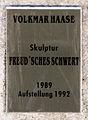Gedenktafel Alt-Kladow ggü 20 (Klado) Freudsches Schwert&Volkmar Haase&1989.jpg