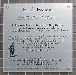 Gedenktafel für Erich Fromm aus der Reihe Mit ...