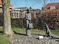 Geesteren, sculptuur de Vrouw van 't Starveld foto3 2013-04-22 10.08.jpg