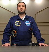 Genova-Massimo Morini Astronauta in Invaxön.jpg