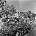 Gezicht op de deels gereconstrueerde ruine van een synagoge uit de derde eeuw te, Bestanddeelnr 255-1541.jpg
