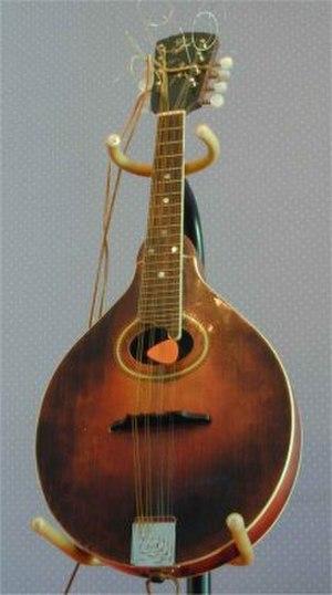 Orville Gibson - Image: Gibson A4Mandolin 1921