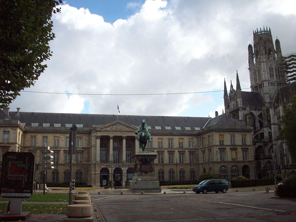 Place du g n ral de gaulle rouen wikip dia for Piscine a rouen