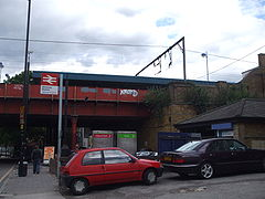 Hackney Downs stn entrance.JPG