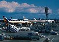 Haneda Airport(1990) (4573601033).jpg