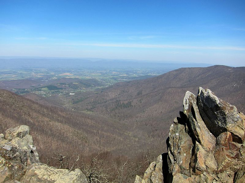 File:Hawksbill Mountain view 6.jpg