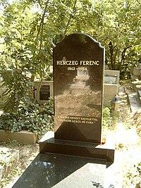 Herczeg Ferenc sírja.jpg