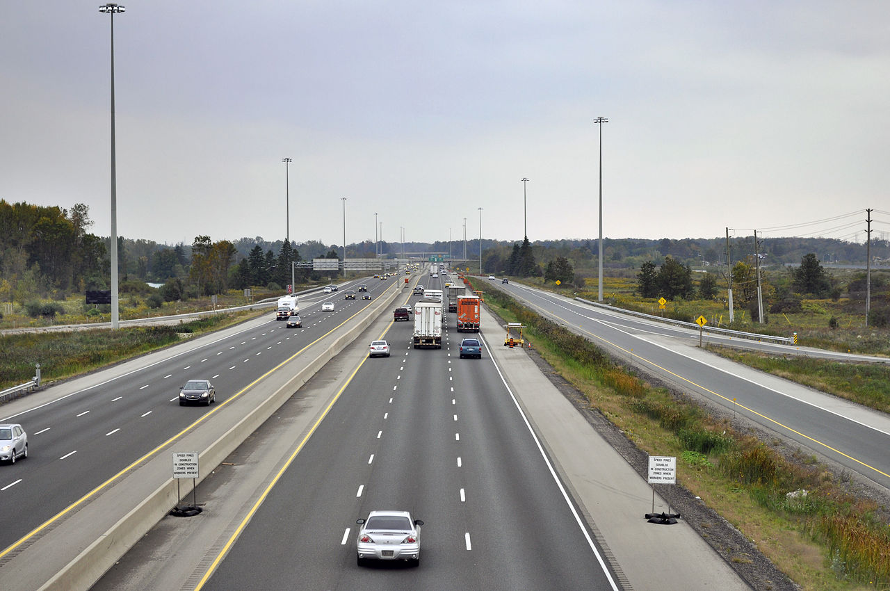 File:Highway 401 from Wellington Road in London, Looking ...