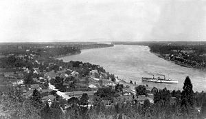 Queenston, Ontario - Image: Historic village of Queenstown and Lower Niagara River, from Queenston Heights, Canada (HS85 10 39012)