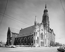 Holy Family Church (Roman Catholic), 1104-1114 West Roosevelt Road, Chicago (Cook County, Illinois).jpg