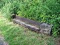 Hostivařský háj, lavička z klády.jpg