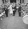 Huwelijk Ria Valk met H. de Keulenaar, aubade drumband van Gennep, Bestanddeelnr 914-0957.jpg