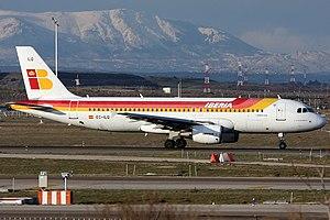 Iberia Airbus A320-214 EC-ILQ.jpg