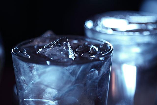 Eiswürfel in einem Getränk