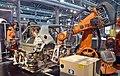 Industriemuseum Chemnitz - moderne Karosserieschweißanlage mit Industrierobotern.jpg