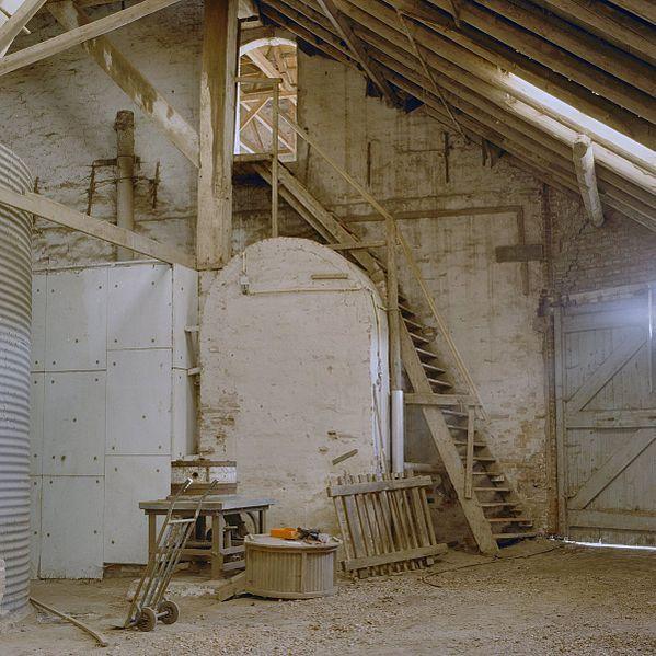 File interieur schuur uitbouw van het voorhuis met trap - Makers van het interieur ...