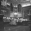 Interieur van de basiliek St. Maria Maggiore gezien in de richting van de apsis , Bestanddeelnr 254-5507.jpg